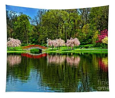 Pinks And Reds Tapestry