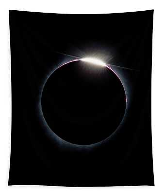 Post Diamond Ring Effect Tapestry