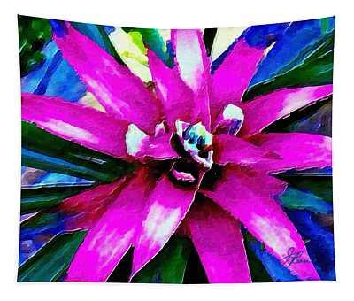 Purple Star Flower Close Up Tapestry