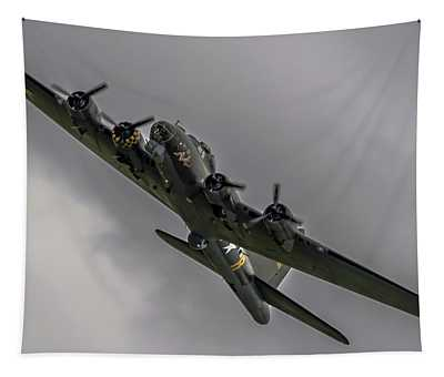 Raf Scampton 2017 - B-17 Flying Fortress Sally B Turning Tapestry