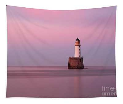 Rattray Head Lighthouse At Sunset - Pink Sunset Tapestry