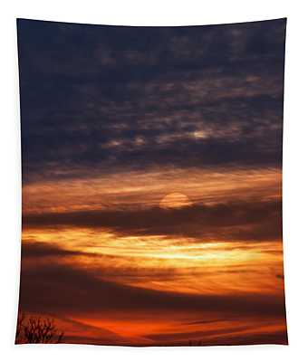 Red Calm Sunset Sky Tapestry
