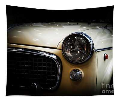 Retro Classic Car On Black Background Tapestry
