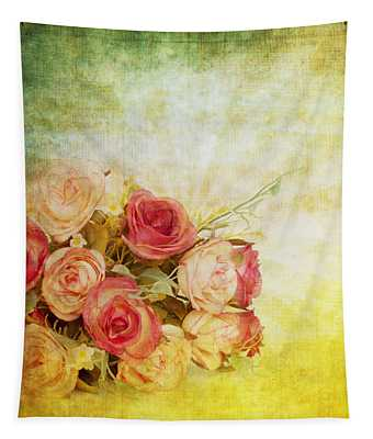 Roses Pattern Retro Design Tapestry