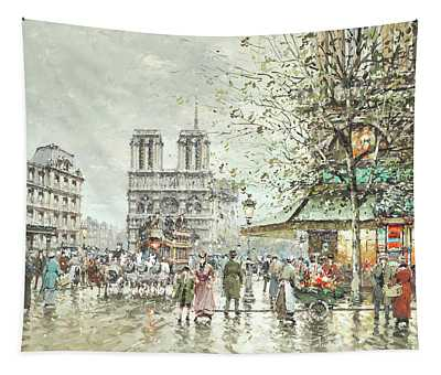 Saint Michel Square, Notre Dame Tapestry
