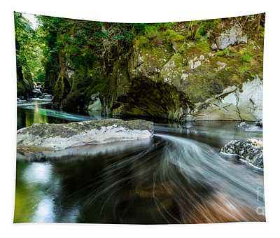 Smooth Flow Tapestry