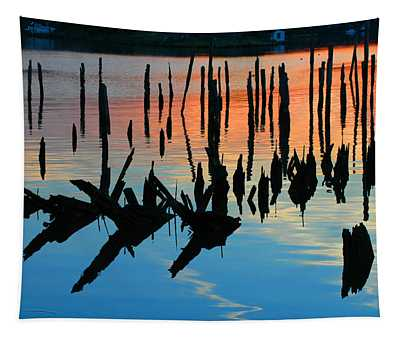 Sunset In Colonial Beach Virginia Tapestry