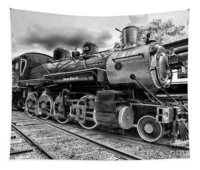 Train - Steam Engine Locomotive 385 In Black And White Tapestry