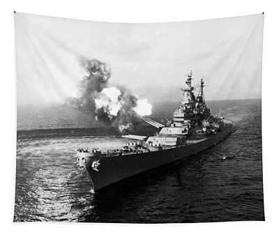 Uss Missouri Firing Salvo - Korean War - 1950 Tapestry