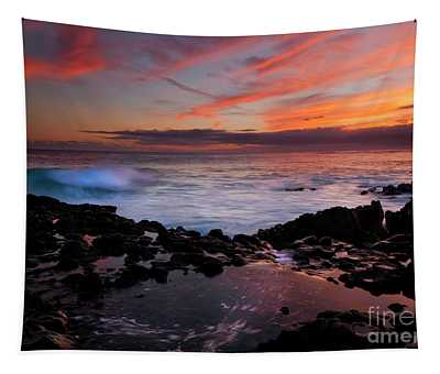 Waves Of Paradise Tapestry