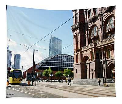 13/09/18  Manchester.  Lower Mosley Street. Tapestry