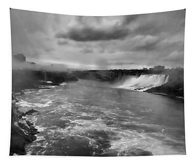 A Black And White View Of Niagria Falls Tapestry