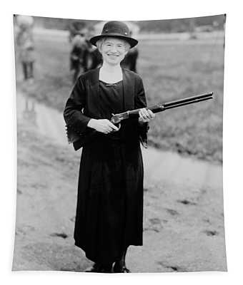 Annie Oakley Holding Rifle - 1922 Tapestry