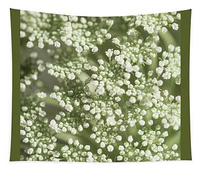 Babys Breath 1308 Tapestry