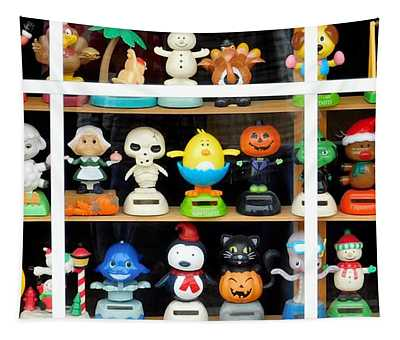 Bobbleheads In Store Window In Schroon Lake Ny In Adirondacks Tapestry