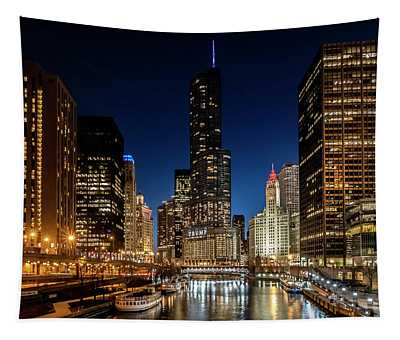Chicago River And Skyscrapers At Dusk Tapestry