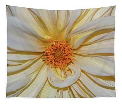 Dahlia Summertime Beauty Tapestry