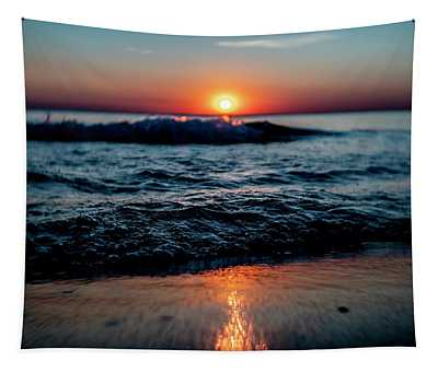 Double Waves At Sun Rise Tapestry