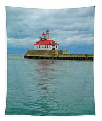 Duluth Lighthouse 2 Tapestry