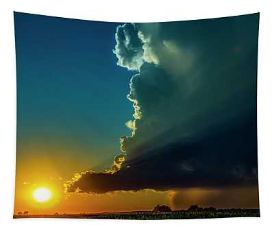 Dying Nebraska Thunderstorms At Sunset 068 Tapestry