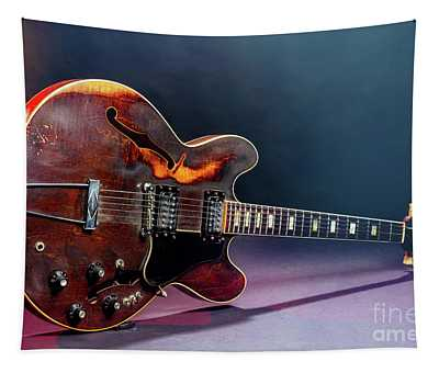 Gibson Guitar Picture Of Old Bdrownie 1744.005 Tapestry