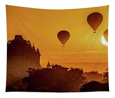 Hot Air Balloons At Sunrise Tapestry