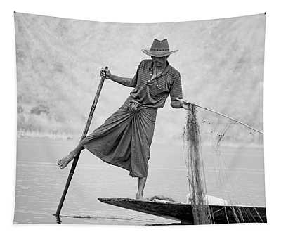 Inle Lake Fisherman Byw Tapestry