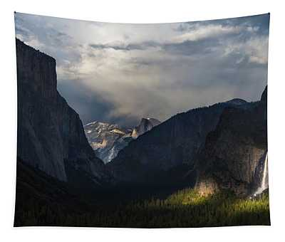Last Light At Yosemite Tunnel View  Tapestry