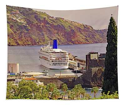 Mv Oriana In Funchal Tapestry