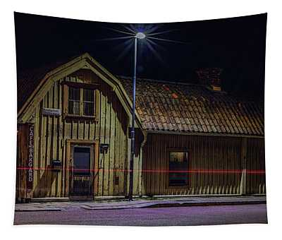 Old House #i0 Tapestry