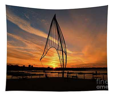 Rafaga Unleashed Sunset Tapestry