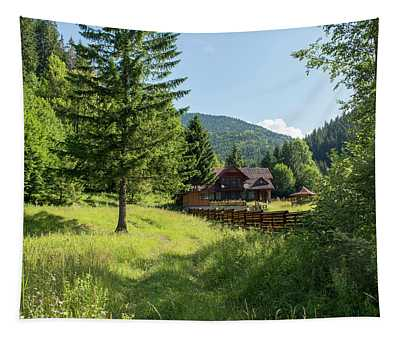 Romania Carpathian Mountain Holiday Chalet Fairytale Paysage Tapestry
