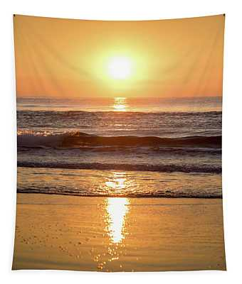 Sunrise At Surfers Paradise Tapestry
