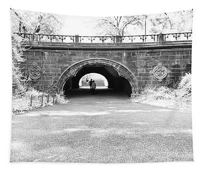Trefoil Arch Central Park Black And White Tapestry