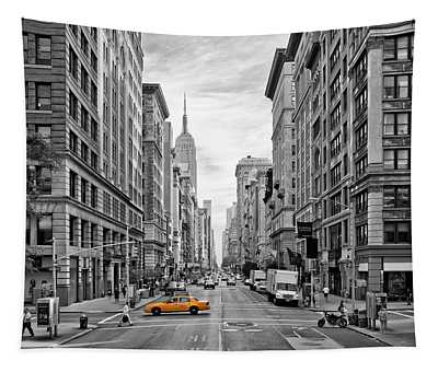 Urban 5th Avenue Nyc Tapestry