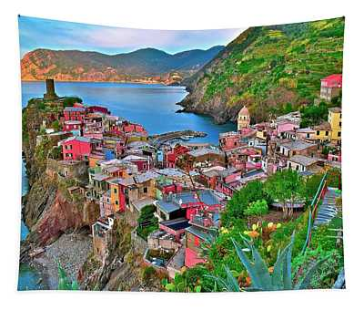 Vernazza Backside 2019 Tapestry