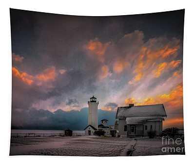 Winter Sunset At Tibbett's Point Tapestry