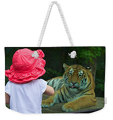 Weekender Tote Bag featuring the photograph Come A Little Closer by Dave Files