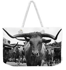 Dallas Texas Pioneer Plaza Longhorn Cattle Drive Bronze Sculpture Black And White Weekender Tote Bag
