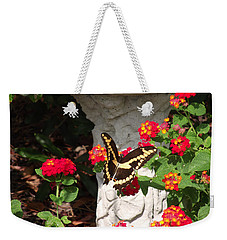 Weekender Tote Bag featuring the photograph Giant Swallowtail On Lantana by Jayne Wilson
