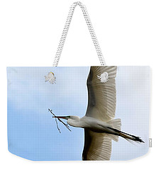 Great Egret In Flight Weekender Tote Bag
