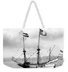 Half Moon Re-entered Hudson River After An Absence Of 300 Years In Black And White Weekender Tote Bag