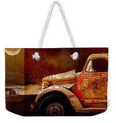 Weekender Tote Bag featuring the photograph Harvest Moon by Holly Kempe