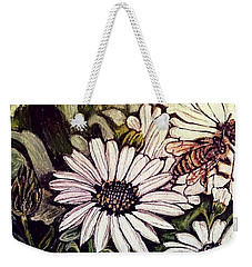 Honeybee Cruzing The Daisies Weekender Tote Bag