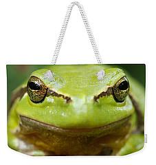 It's Not Easy Being Green _ Tree Frog Portrait Weekender Tote Bag