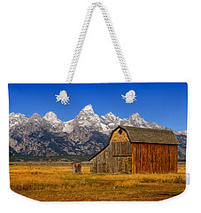 Weekender Tote Bag featuring the photograph Murphy Barn by Greg Norrell