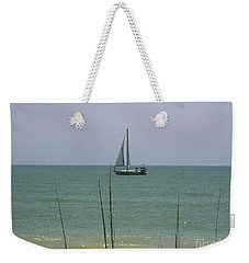 Weekender Tote Bag featuring the photograph Sailing In The Gulf by D Hackett