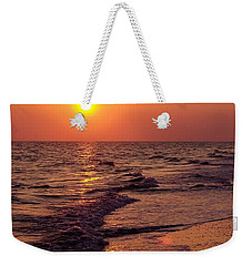 Weekender Tote Bag featuring the photograph Sanibel Sunset by D Hackett