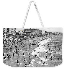 Santa Monica Beach In December Weekender Tote Bag by Underwood Archives