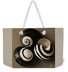 Weekender Tote Bag featuring the photograph Seashells Spectacular No 27 by Ben and Raisa Gertsberg
